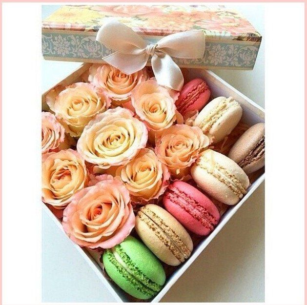 Подарок с макаронами и цветами 986